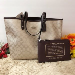 NWT Coach Reversible City Signature Tote